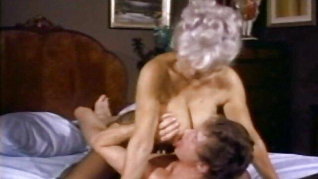 الشاب أخذ الديك مع ناضجة افلام جنس اجنبي مجاني الجد