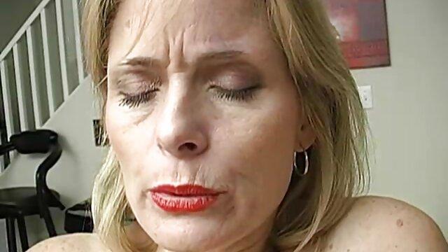 شقراء في سن المراهقة افلام سكس مجانى اجنبي ممارسة الساخنة اللسان