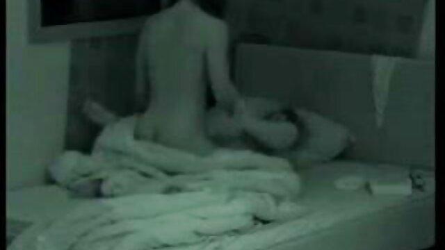 صب نائب الرئيس في فيديوهات سكس اجنبي مجاني فم فتاة يمارس الجنس في العديد من المواقف