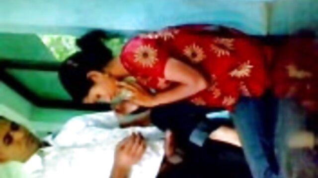 Blacky فاتنة سكس اجنبي مجاني فيديو يحصل مارس الجنس في السيارة