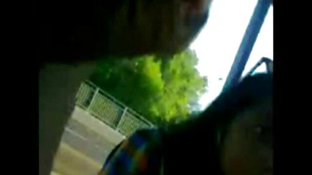 سلم شخصيا إلى افلام سكس اجنبى مجانى الرجل في سيارته