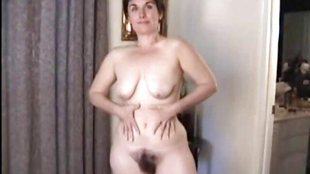 رجل مارس الجنس الساخنة سيدة شابة مع الثدي الحقيقي مواقع سكس اجنبي مجاني في الصب