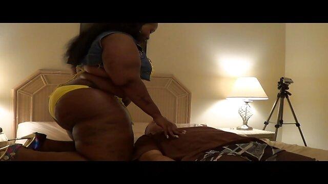الملاعين سيكس اجنبي مجاني امرأة سمراء تحب الجنس